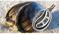 Сребърни висулки и медальони със седеф